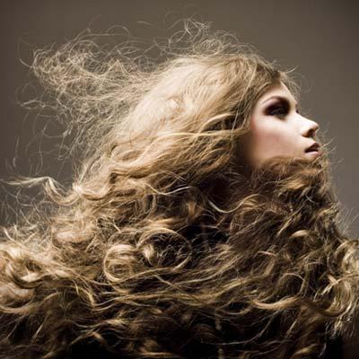 תספורות לשיער מתולתל